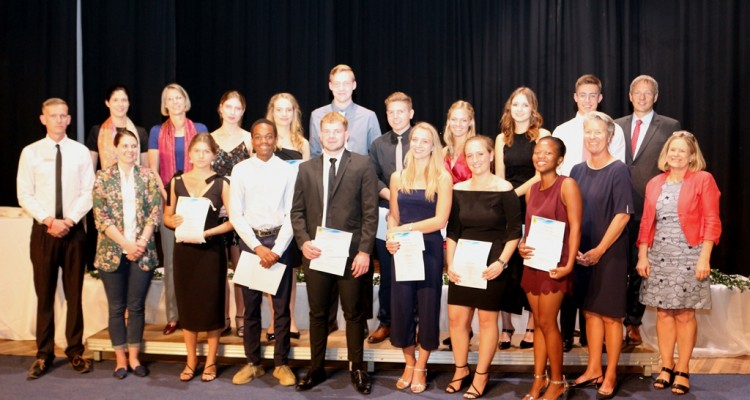 Team players, courageous individuals: DHPS bids farewell to its 2019 Abitur graduates