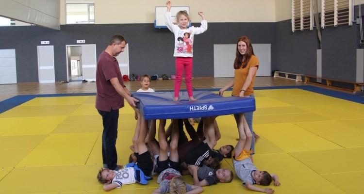 Starke Kinder und ein tolles Team im DHPS - Sportferienprogramm