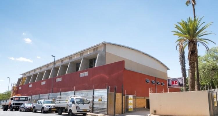 Renovierung der DHPS-Turnhalle in vollem Gang