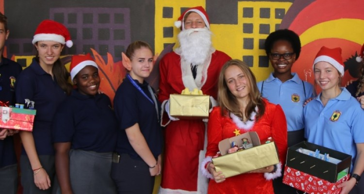 Have a nice day: SRC supports with pre-Christmas gifts